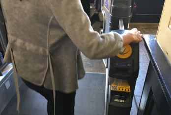 Rail industry hails paperless roll-out as smart ticketing stalls