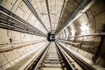 Grayling 'could seize Crossrail' as delay worsens cost overrun