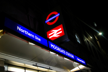 Londoners face long wait for Night Tube
