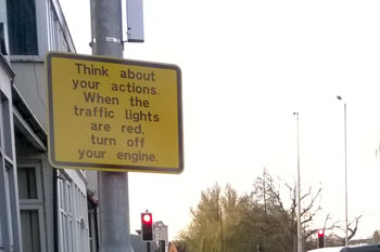 Pollution cut as signs prompt drivers to switch off engines