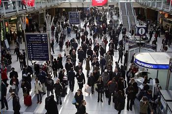 Rail punctuality falls to 12-year low